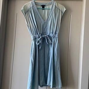 Adorable spring chambray dress!
